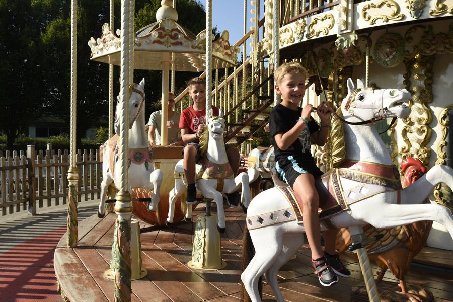 Carrousel-(1)