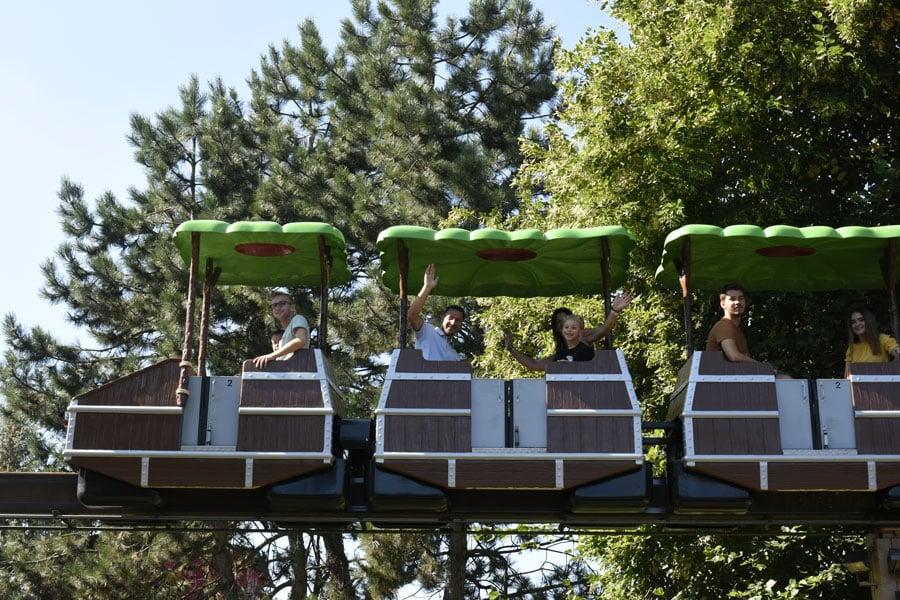 Monorail-(1)